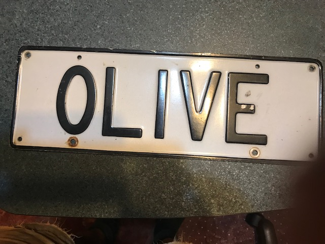 Plate OLIVE